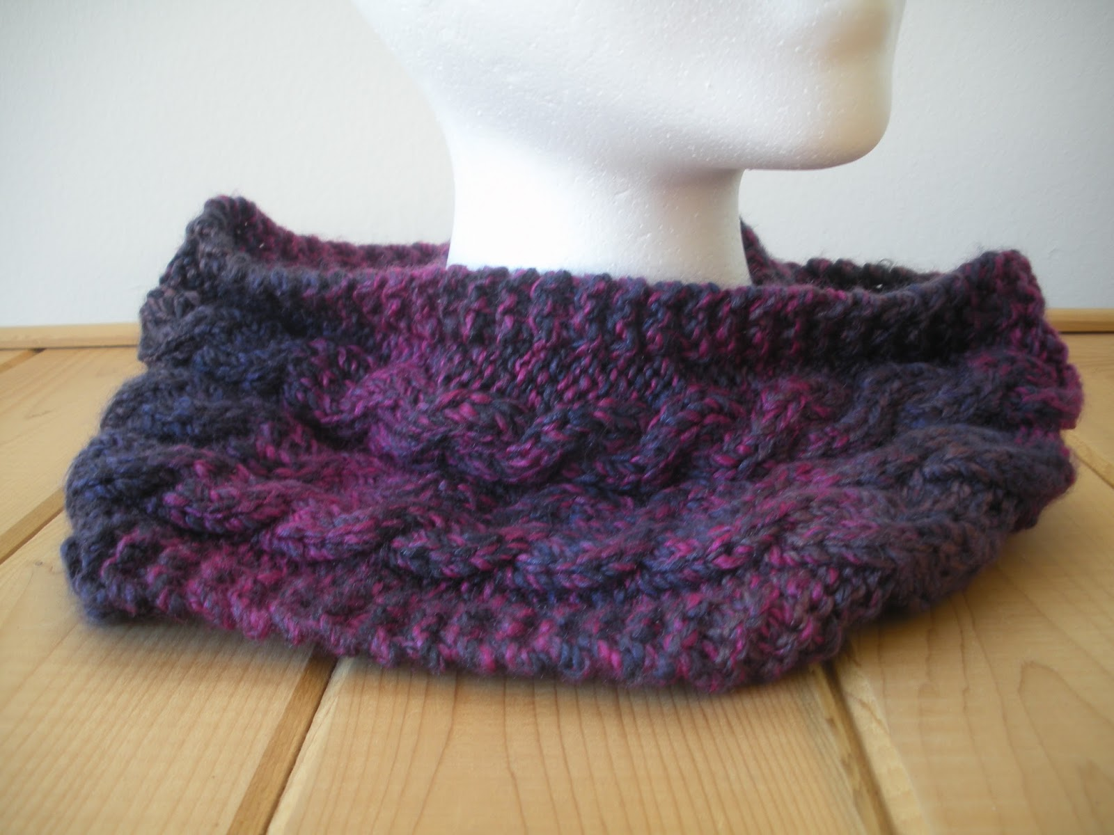 Free Knitting Patterns For Cabled Cowls : Yarn In, Yarn Out: Free Pattern: Able Cable Cowl