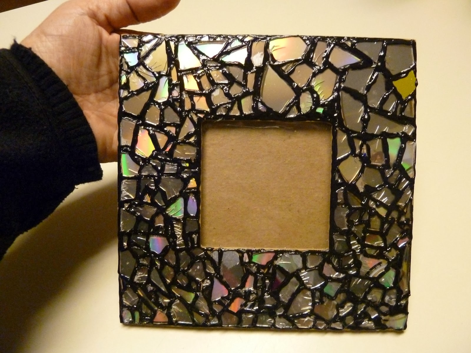 diy recycled cd mosaic photo frame diy craft projects