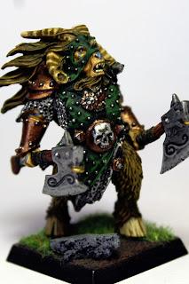 Caudillo Hombre Bestia con 2 armas