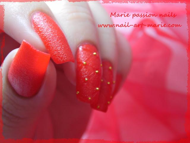 Nail art effet cuir capitonné 4