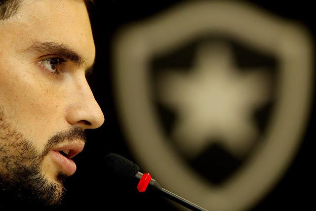 Se o pagamento não for efetuado até esta terça, Pimpão pode retornar ao Botafogo (Foto: Vitor Silva/SS Press)