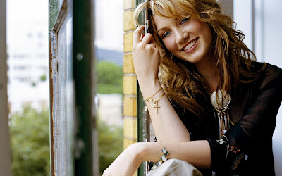 Delta Goodrem Beautiful Girl Wallpapers happy