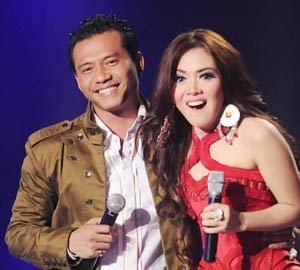 Lirik Lagu Jangan Memilih Aku - Anang Hermansyah Feat Syahrini | Musik Masa Kini