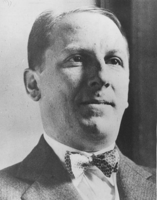 arnold rothstein Location: 870 7th ave, the park central hotel status: standing doubled over with blood trickling down his leg and his hand pressed over his bloodied groin, arnold rothstein, kingpin of the new york underworld made famous again by boardwalk empire, groped his way through the carpeted hallways of the park central hotel before collapsing in.