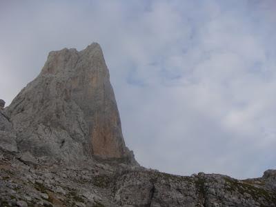 Cara Oeste y Norte del Picu Urriellu.