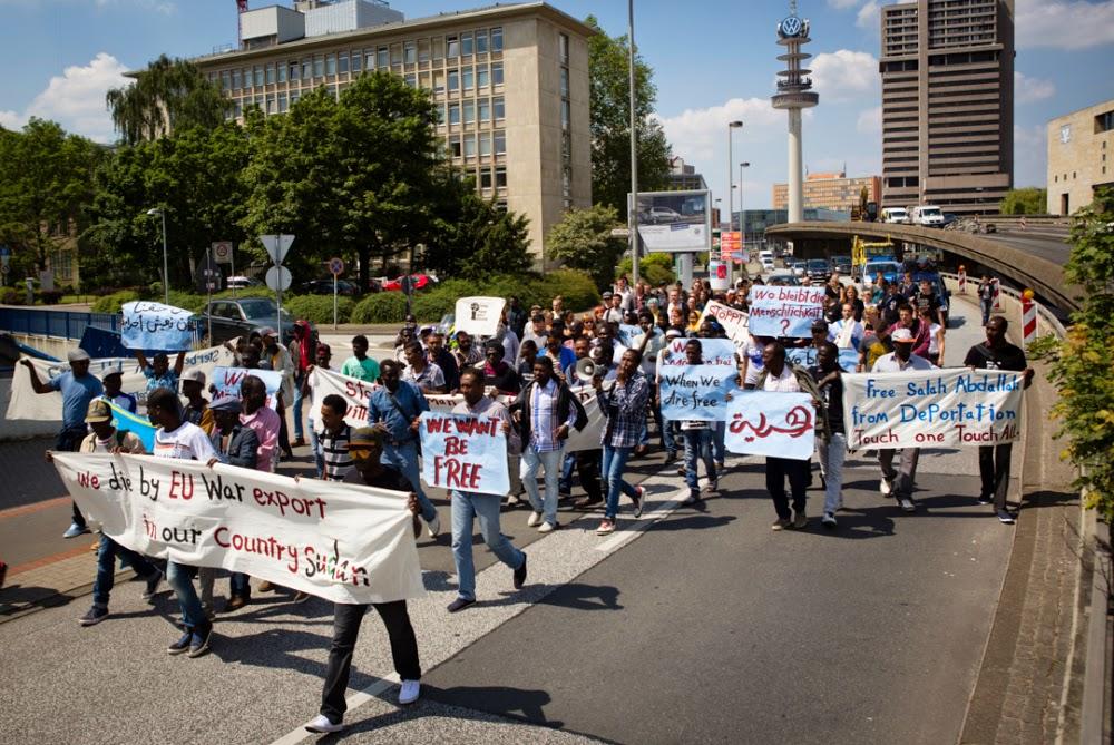 join the demonstration by the refugees from weißekreuzplatz camp, Einladungen
