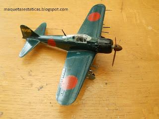 maqueta a escala 1/72 del caza de la segunda guerra mundial Zero de Japon