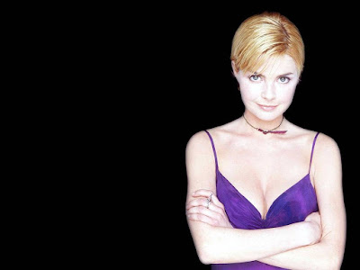 Gail Porter Lovely Wallpaper