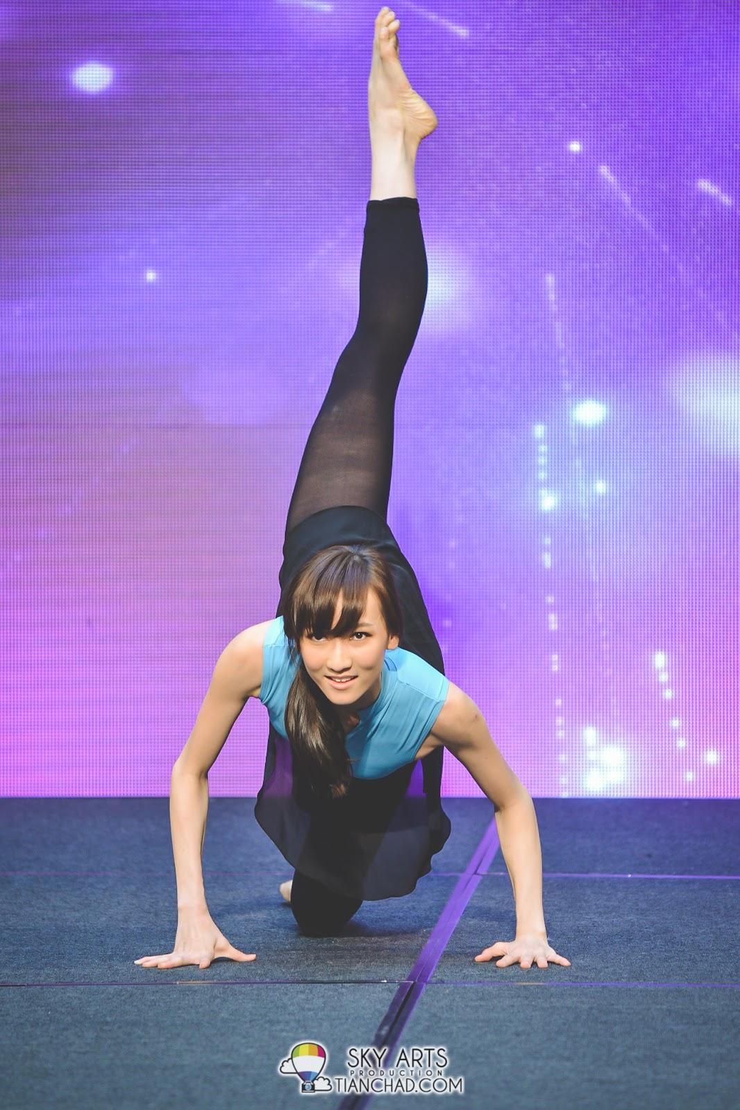1号佳丽余晓薇是获奖无数的舞蹈老师,才艺表演当然是选择自己的强项,舞蹈