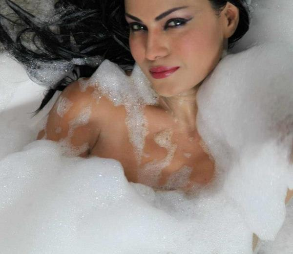 Veena Malik Pictures No C Lothes B Athing P Hotoshoot