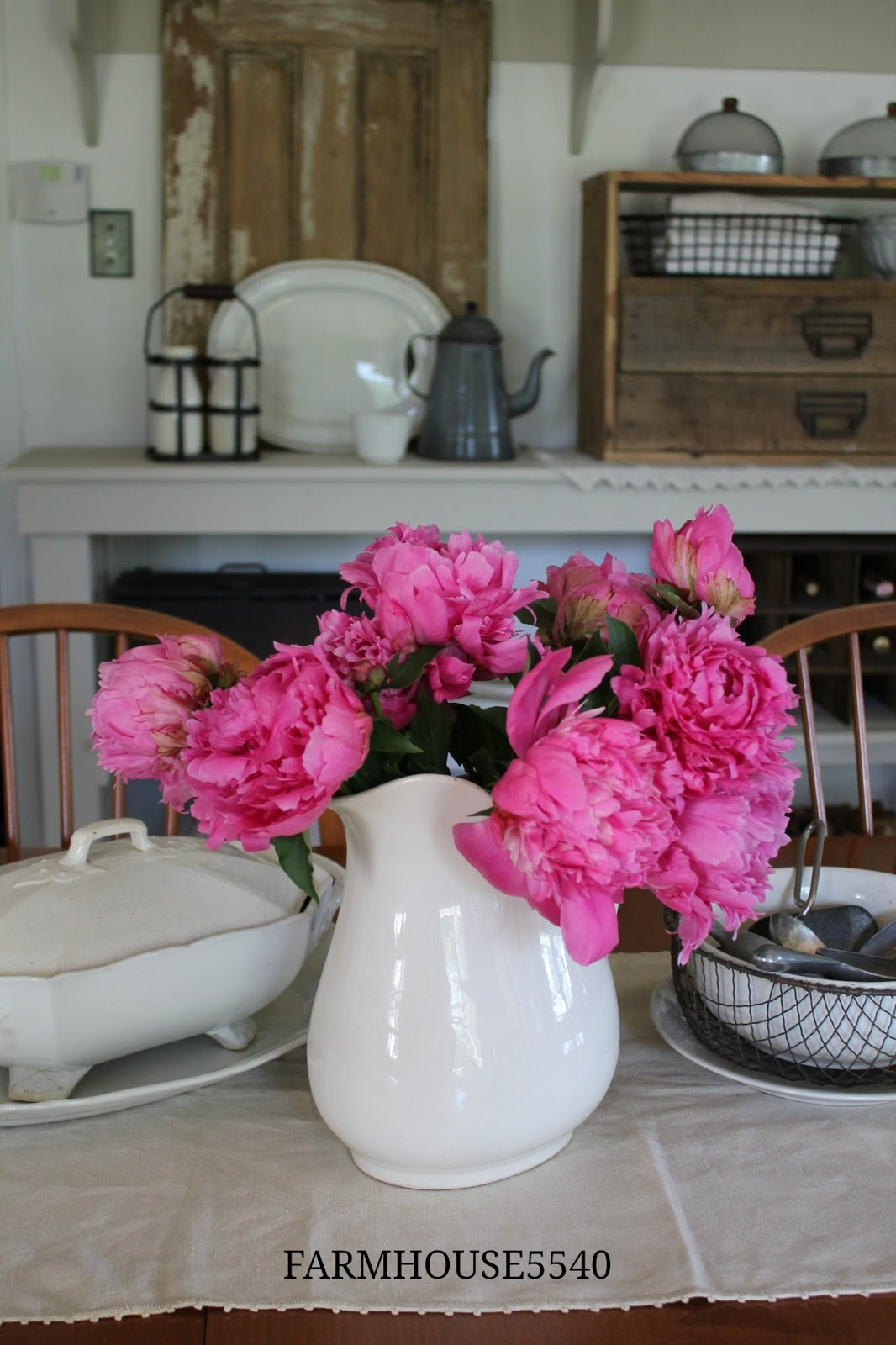 Farmhouse 5540 Peonies In The Dining Room