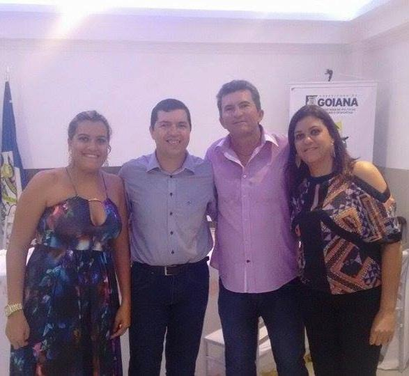 http://www.blogdofelipeandrade.com.br/2016/01/menezes-prestigia-posse-dos-novos.html
