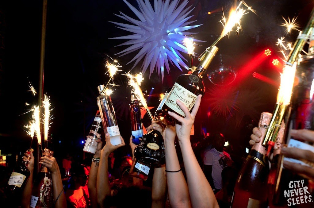 Champagne Bottle Sparklers Wholesale ByNightclubShop
