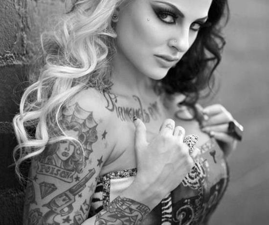 mujeres tattoo