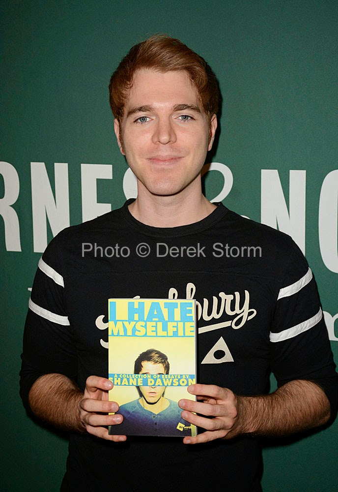 essay on shane I hate myselfie: a collection of essays by shane dawson: shane dawson:  0001476791546: books - amazonca.