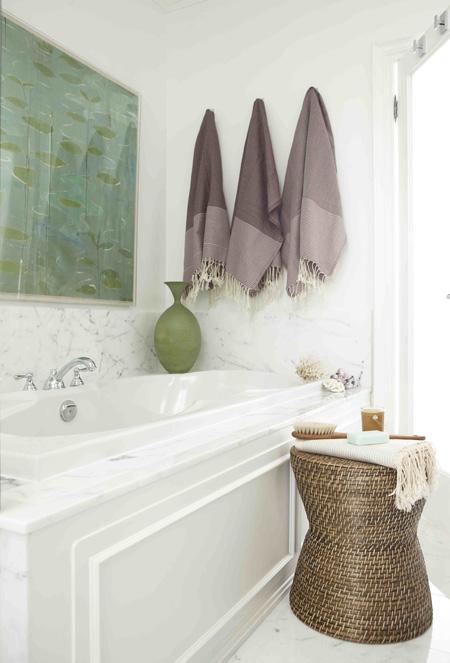 Garden Stools In The Bathroom A Do Or Don T