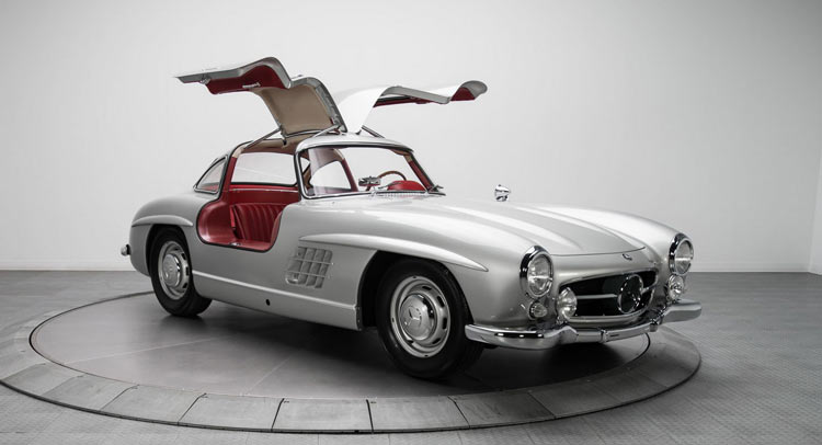Mercedes benz 300sl 39 gullwing 39 sells for impressive 1 9 for 2 5 million mercedes benz