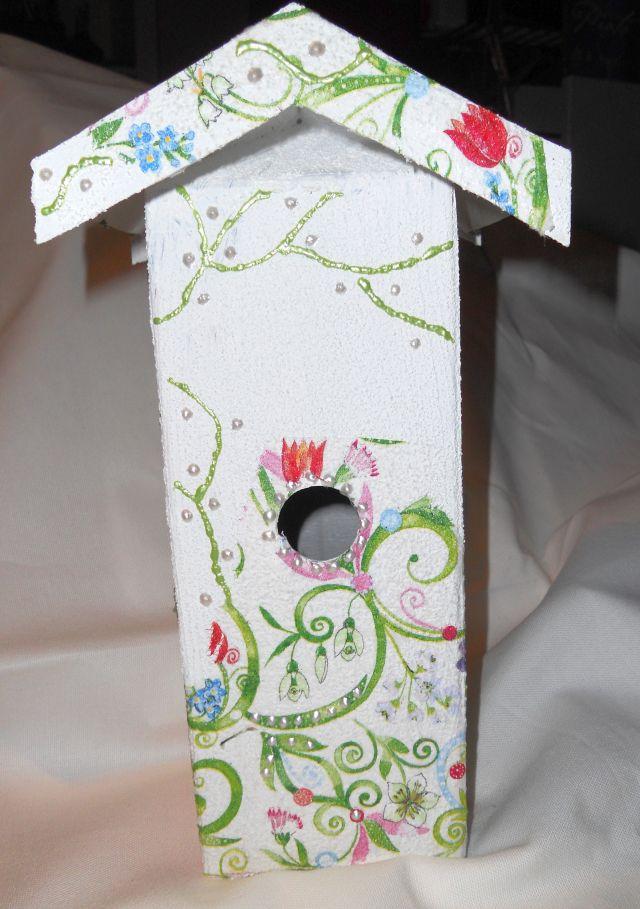 pader deko perle bastelsachen paderborn fr hjahr 2011 vogelhaus und echter nistkasten aus. Black Bedroom Furniture Sets. Home Design Ideas