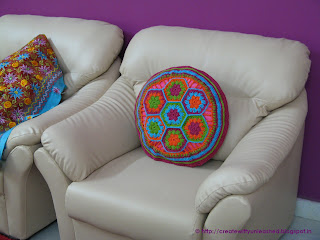 Crochet hexagon cushion cover3