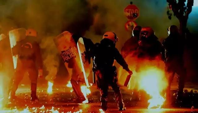 Πεδίο μάχης το Ωραιόκαστρο. Στράτος του Soros κατά αστυνομίας και πολιτών (Βίντεο)