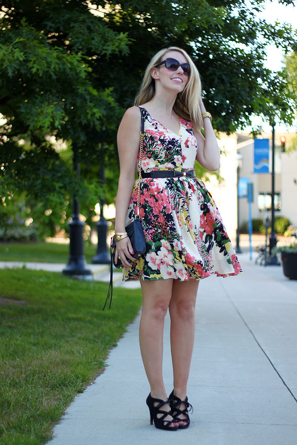 darling, darling uk, darling ashley dress, floral dress, what to wear to a summer wedding, canadian fashion blogger