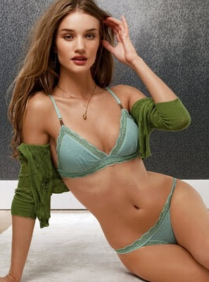 Rosie Huntington-Whiteley Hot Photos 2011