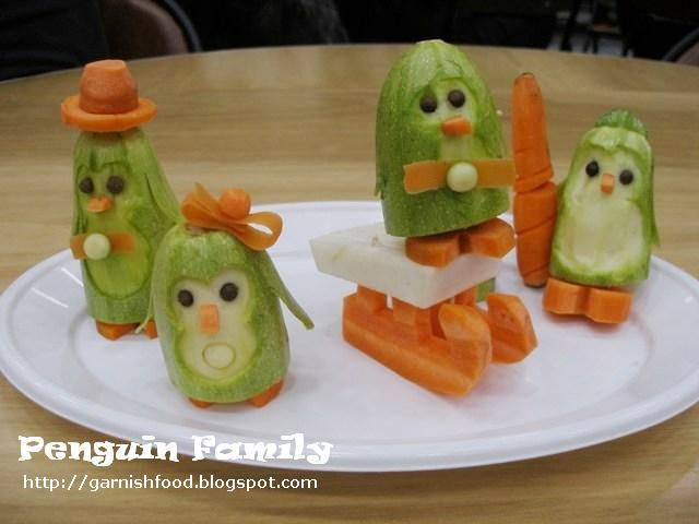 Edible Vegetable Crafts http://garnishfood.blogspot.com/2011/12/penguin-family-fruit-and-vegetable.html
