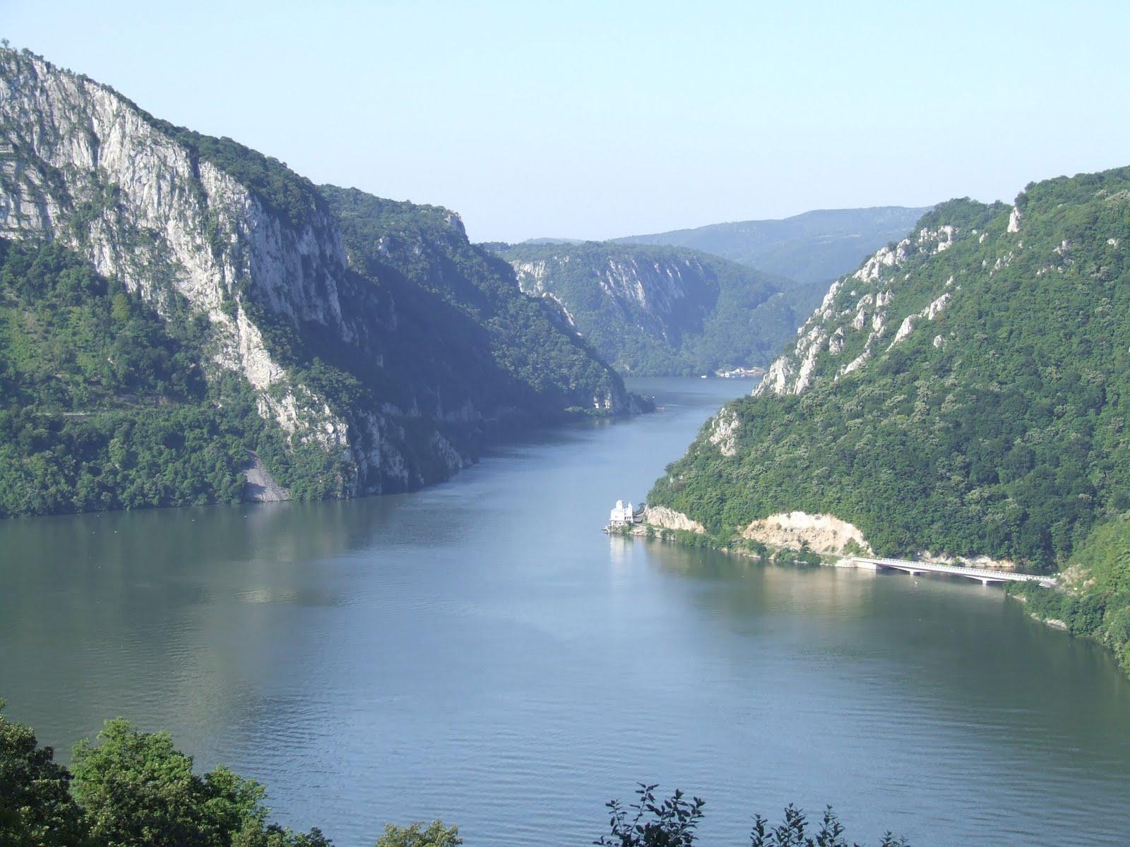 Dunarea - Decebal- Manastirea -Valea Mraconiei