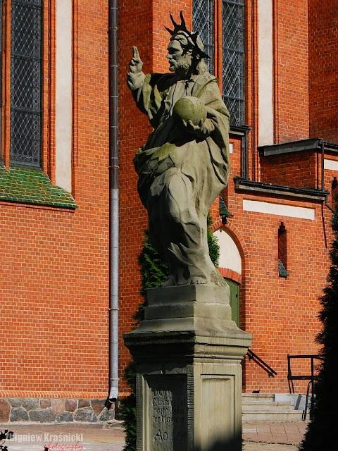 Olsztyn. Figura Chrystusa i dżuma