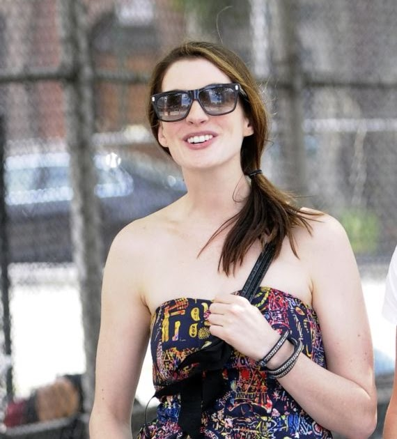 Anne Hathaway Real Name: Dollar Chauhan: Pretty Anne Hathaway Street Candids