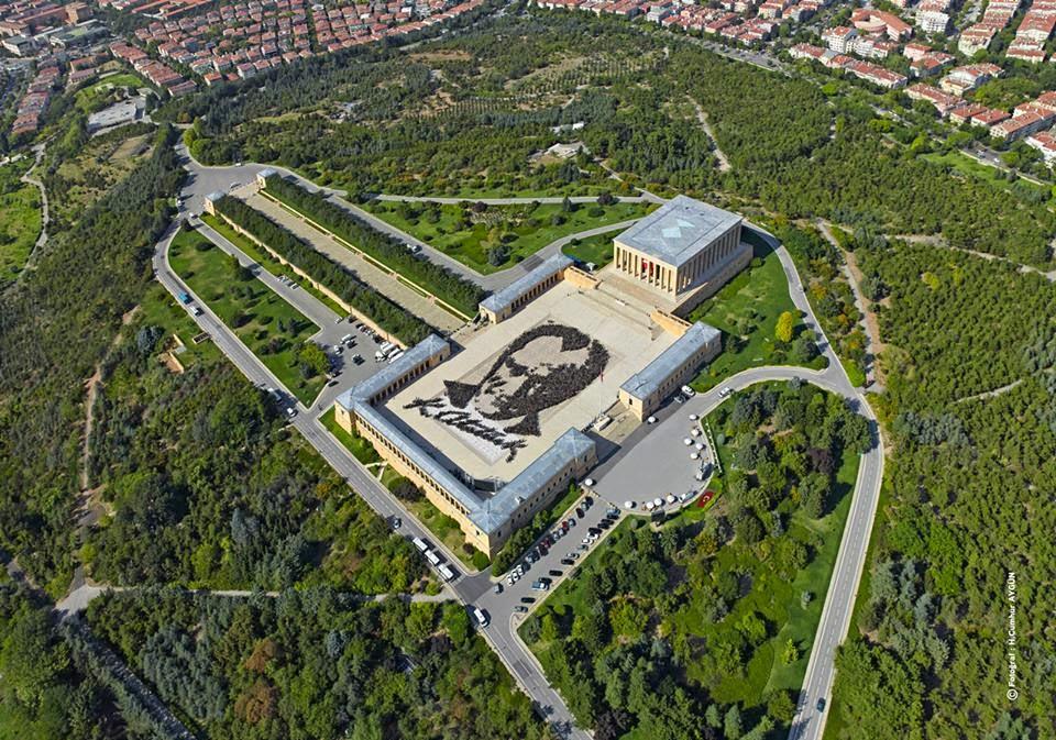 6000 gönüllü ile Atatürk Portresi