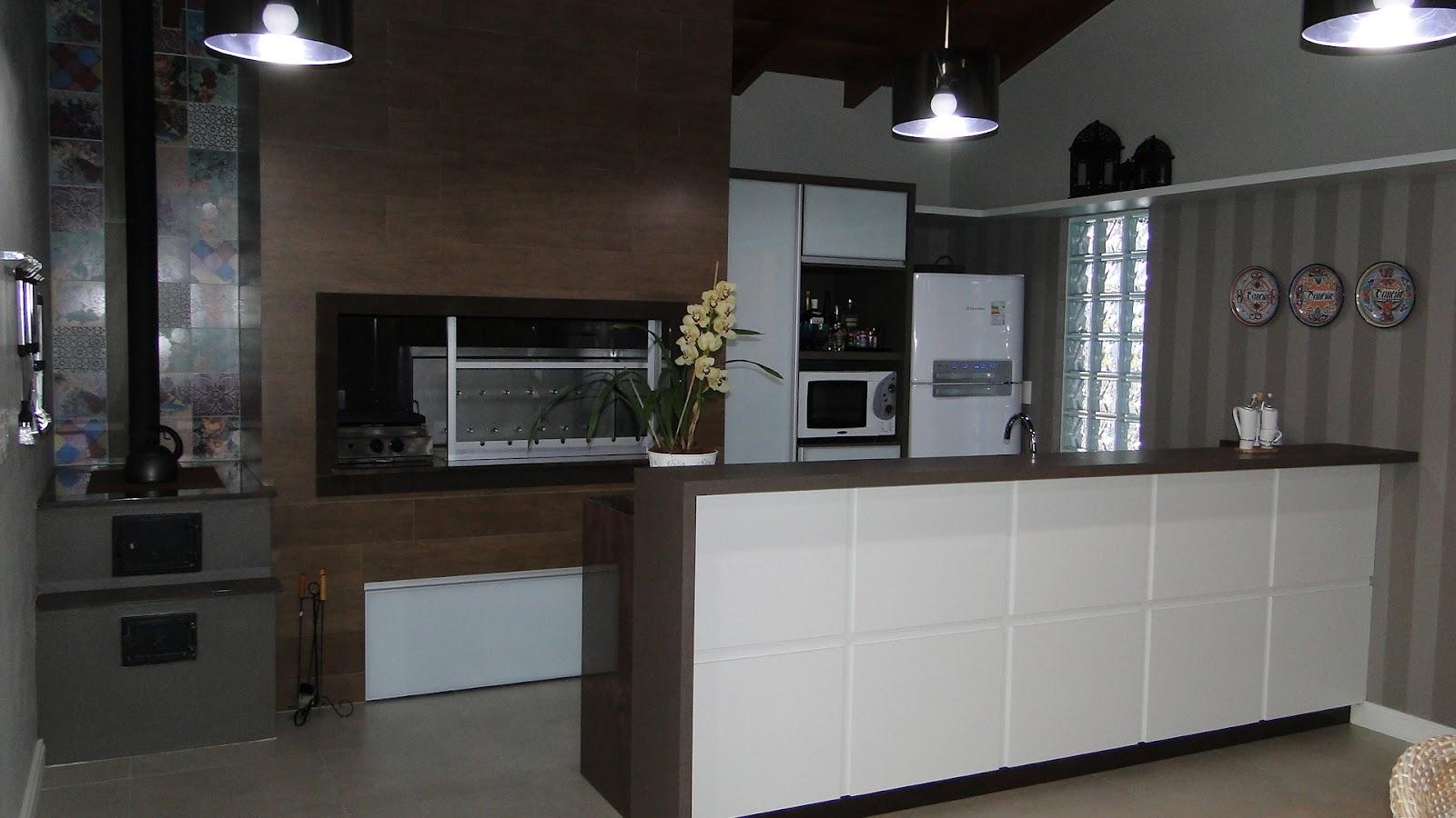 por arquiteto: arquitetura de interiores  cozinha para área de lazer #555576 1600 900