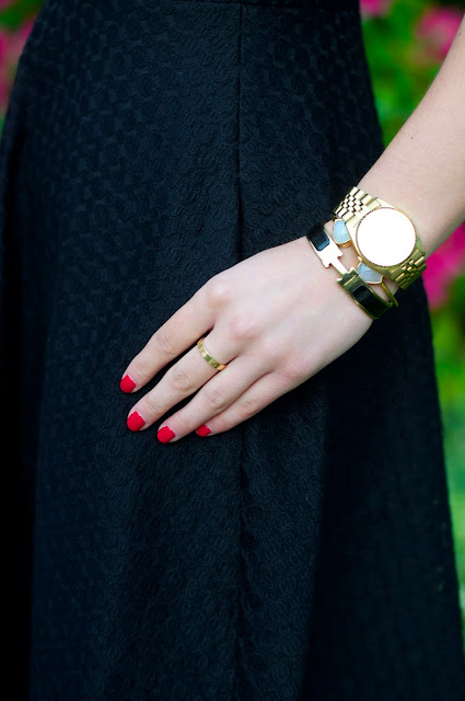 OPI Big apple red, cartier love ring and hermes bangle
