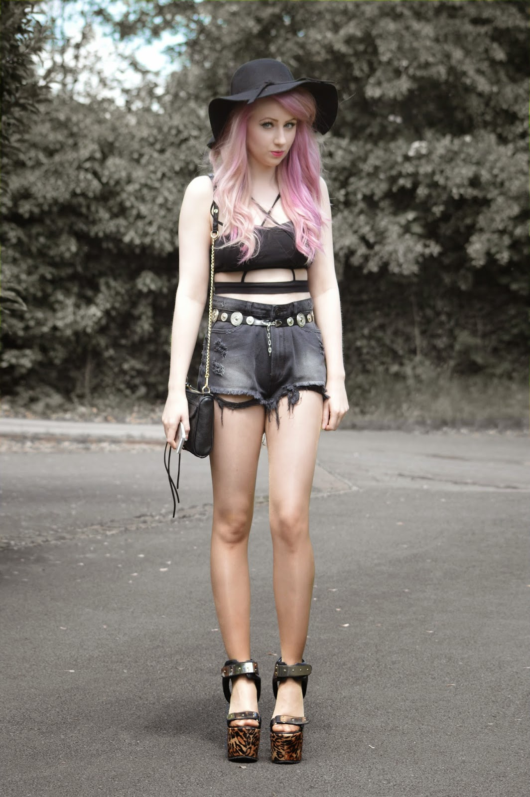 Sammi Jackson - 2 Ways to Wear Unif Hangover Shorts // Look 1