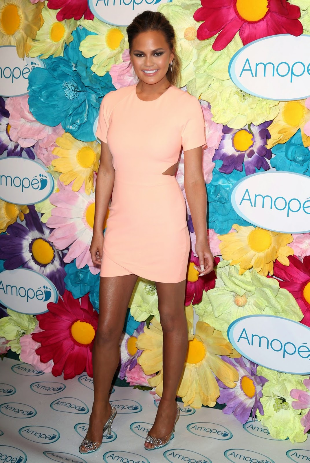 """Model, Actress @ Chrissy Teigen at """"Glass-Slipper-Ready"""" Pedicure Event in NYC"""