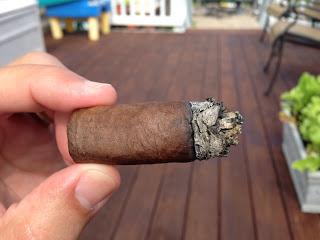 Blind Cigar Review: Flor De Las Antillas   Robusto Final Third