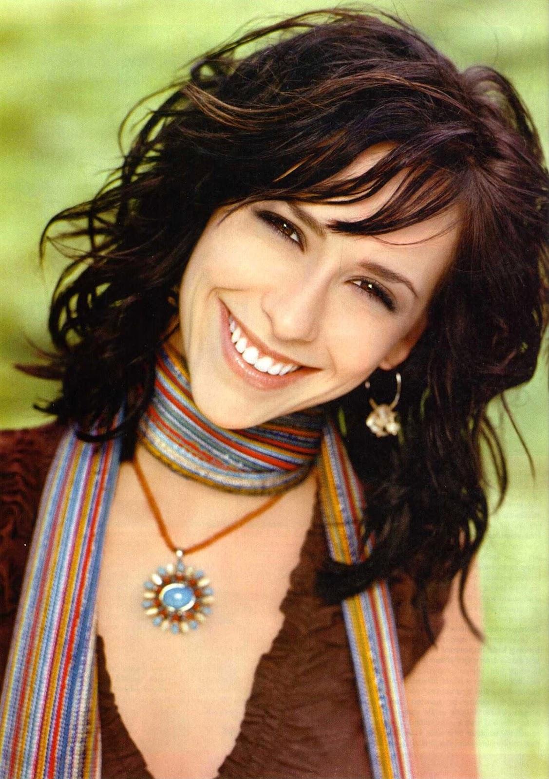 http://4.bp.blogspot.com/-gt1rUE2_op0/T9dfgpu7nZI/AAAAAAAAAJM/DyXVQ_cKl4s/s1600/Jennifer-Love-Hewitt+1.jpg