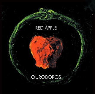 Red Appel ouroboros