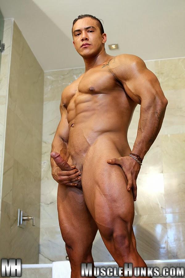 Hombres Musculosos Desnudos