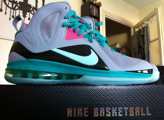 Nike LeBron 9  South Beach: PS Elite