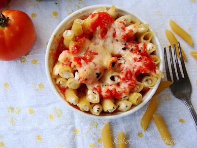 Makaronowa zapiekanka serowo-pomidorowa