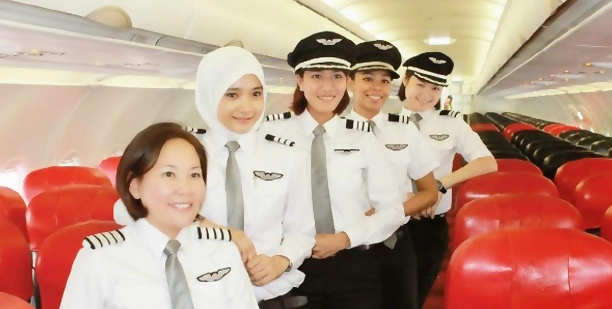 Noor Hafizah Mohd Idrus Pilot Berhijab AirAsia