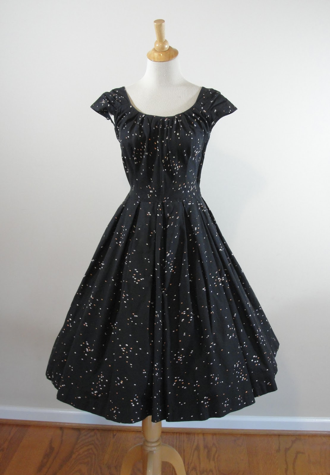 HOUSE OF LENORA: The DIY Files: 1950s Tailored Junior Black Confetti ...
