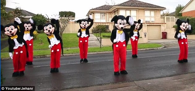cerere in casatorie inedita Mickey Mouse si Minnie 2014 dansatori muzica Michael Jackson Beyonce YOUTUBE