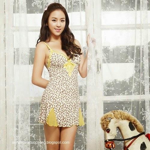 Ca sĩ Hàn Quốc làm người mẫu nội y 11