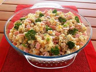 Como Fazer Salada de Macarrão