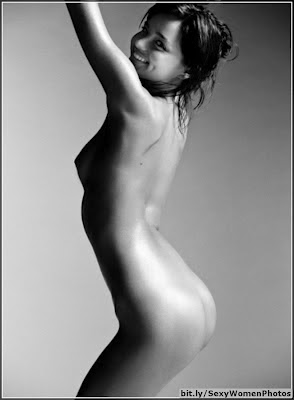 cute Miranda Kerr stunning black and white nude photoshoot - picture 1