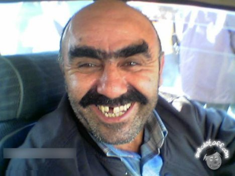 1202032844_funny-taxi-driver.jpg