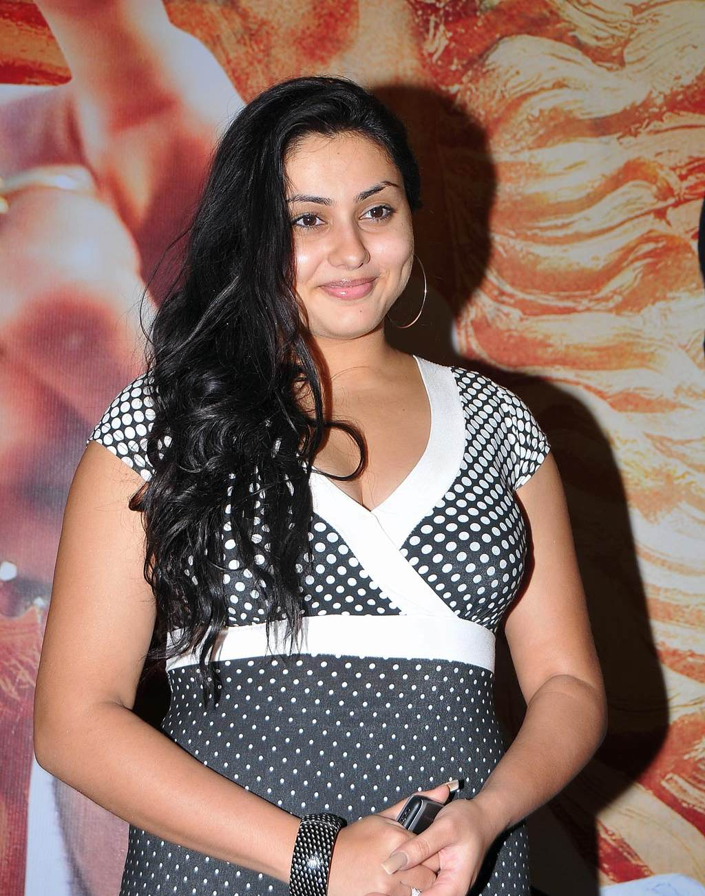 South Indian Actress Namitha Hairstyle Pictures Long Hairstyles