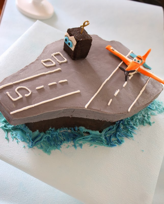 planes Aircraft shaped Birthday Cake